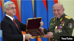 President Serzh Sarkisian awards Major-General Samvel Karapetian (file photo)