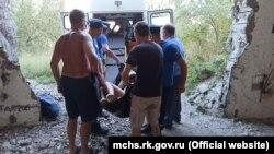 Спасатели эвакуировали из заброшенной шахты на территории бывшей АЭС женщину с ребенком