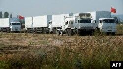 Російський конвой вантажівок з гуманітарною допомогою недалеко від Воронежу, 13 серпня 2014 року