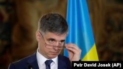 Вадим Пристайко висловив сподівання, що незабаром подібні рейси не вимагатимуть участі Кабінету міністрів