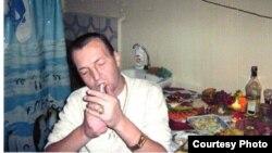An undated photo of Aziz Batukaev in Naryn prison