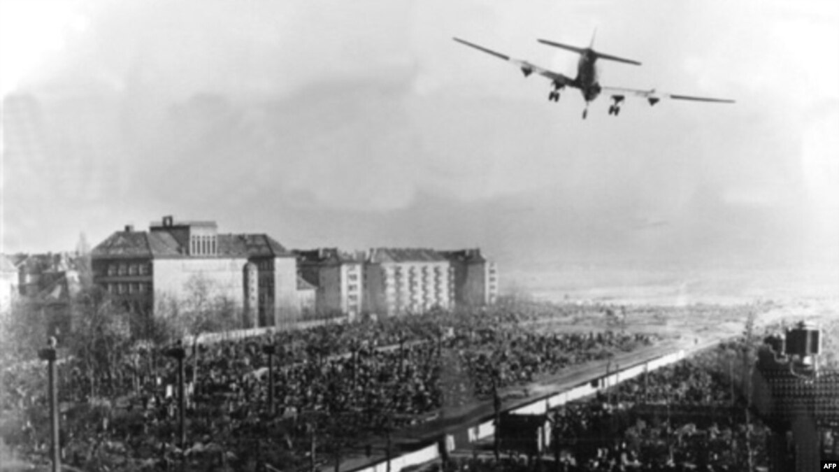 berlin 1948 essay In this revision bite you will learn about the causes of the berlin blockade crisis of 1948 - how stalin was eventually forced to abandon the plan that could have cost the lives of thousands living in divided berlin or started another war.