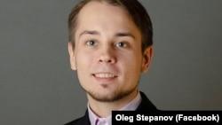 Алексей Навальныйдың Мәскеудегі штабының координаторы Олег Степанов.