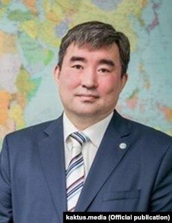 Эрмек Өмүралиев.