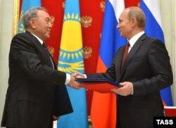 Nazarbayev və Putin