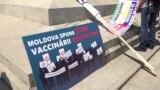 """""""Nu trebuie să fim vaccinați cu sila!"""" Protest al preoților și enoriașilor, la Chișinău"""