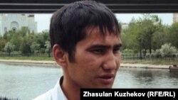 Малик Мендыгалиев, участник забастовки рабочих компании «Каражанбасмунай». Астана, 24 июня 2011 года.