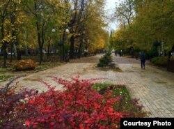 Осінній бульвар Пушкіна в Донецьку