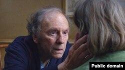 """კადრი მიხაელ ჰანეკეს ფილმიდან """"სიყვარული"""""""