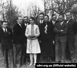 Весільне фото Романа Шухевича, 1930 рік (фото ЦДВР)