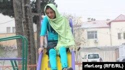 Сахар Гүл арнайы реабилитациялық орталықта. Кабул, 8 сәуір 2012 жыл