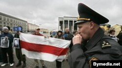 Оппоненты Александра Лукашенко отступают, но не сдаются
