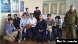 Задержанные в Астане 27 мая активисты, выступавшие против создания Евразийского экономического союза. Фото со страницы в Facebook Максата Ильясулы.