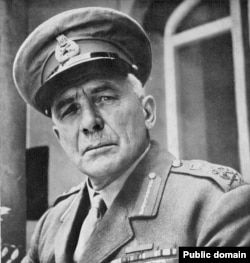 ژنرال آیرونساید، فرمانده ارتش بریتانیا که گفته میشود، رضا خان را برای انجام کودتا انتخاب کرد.