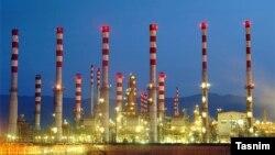 خودکفایی در تولید بنزین یکی از آرزوهای دیرینه در ایران بوده و پیش از این نیز ادعاها و تلاشهایی در این زمینه صورت گرفته است