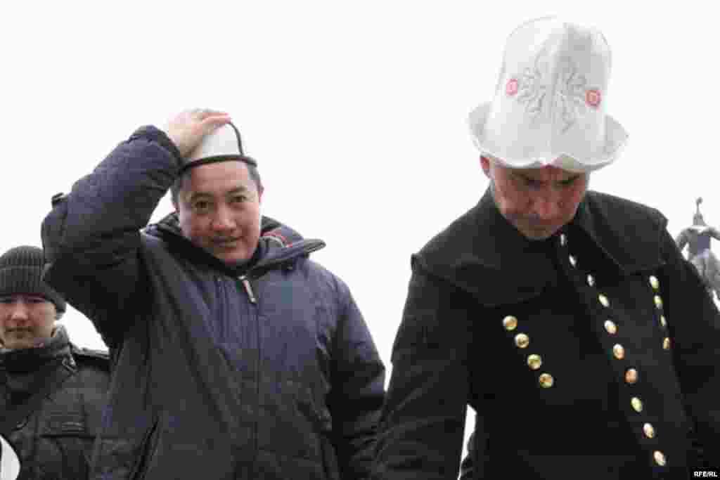 В честь кыргызского калпака #14
