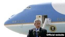 Джордж Буш сделает краткую остановку во Внукове