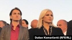 """""""Potpredsednica vlade Zorana Mihajlović ne krije da nije srećna što joj Ana Brnabić formalno nadređena"""", kaže Dragan Popović"""