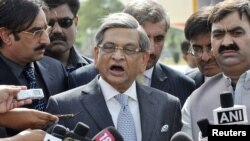India's Foreign Minister S.M. Krishna stressed the need for Pakistan to tackle terrorist groups on its territory.