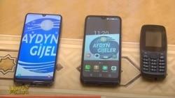 Polisiýa ýokary klas okuwçylarynyň telefonlaryny ýygnady