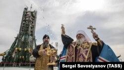 Освященние ракеты на космодроме Байконур