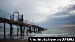 Чорне море взимку в районі Судака, ілюстративне фото