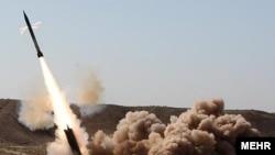 Иран зымырандарын сынақтан өткізуде. 27 қыркүйек, 2009 жыл.