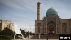 УЗБЕКИСТАН -Площадь Хазрати Имам, религиозный комплекс в Ташкенте. 21 марта 2015 года.