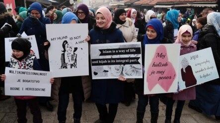 Sa protesta na Dan hidžaba, Sarajevo, 1. februar 2016