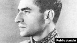 محمدرضا شاه پهلوی در نخستین دهه سلطنت