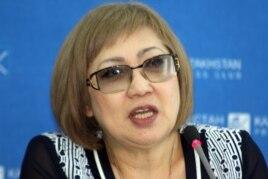 """Директор организации """"Журналисты в беде"""" Розлана Таукина. Алматы, 3 апреля 2014 года."""