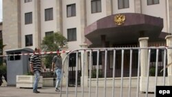 Многие наблюдатели склонны видеть в решении Тбилиси и отголосок вчерашних консультаций в Женеве