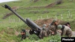Нагорный Карабах - Военнослужащие Армии обороны Нагорного Карбаха на боевых позициях, 5 апреля 2016 г․