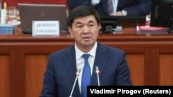 Обраќање во Парламентот на новиот премиер на Киргистан Мухамедали Абилгазиев.
