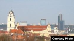 Вильнюс, панорама города. (фото из сайта Википедии.)
