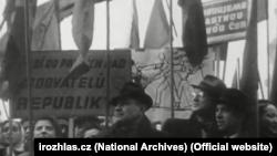 Комуністи на вулицях Праги, лютий 1948 року