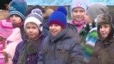 Поліцейські привітали малят столичного дитбудинку з Миколаєм (відео)