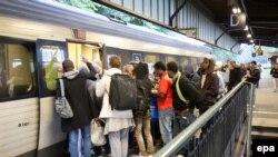 Refugjatët në një stacion të trenave në Gjermani