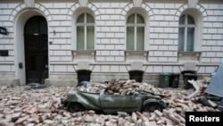 Automobil uništen u zemljotresu u Zagrebu