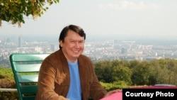 Рахат Әлиев, бұрынғы жоғары лауазымды қазақ шенеунігі. Вена, 2008 жыл