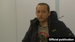 Ойбек Абдуллаев в аэропорту Самары.