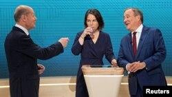 Лидеры трёх ведущих партий - СДПГ, Зелёных и ХДС - на дебатах