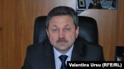 Dr. Victor Cernat