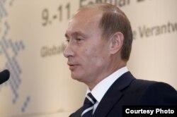 """Владимир Путин произносит """"мюнхенскую речь"""", 10 февраля 2007 года"""