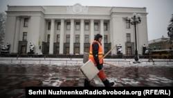 У Київській, Чернігівській, Сумській, Харківській, Луганській та Донецькій областях прогнозують невеликий сніг