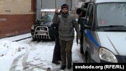 Ільля Дабратвор каля суду