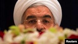 Иран президенті Хассан Роухани баспасөз мәслихатында отыр. АҚШ, Нью-Йорк, 27 қыркүйек 2013 жыл.