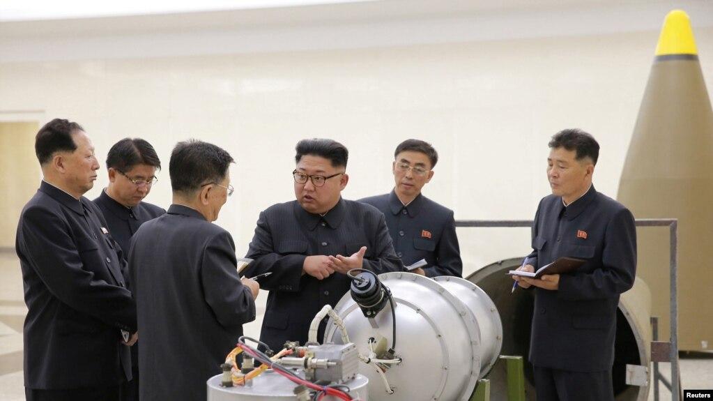 Пјонгјанг-лидерот Ким Јонг Ун на тестирање на нуклеарната програма, 03.09.2017