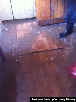 В доме родителей Татьяны Филь в посёлке Октябрьский Иркутской области после наводнения.