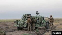 """Бойцы кудских вооруженных формирований, ведущие борьбу с боевиками """"ИГ"""" в Ираке"""